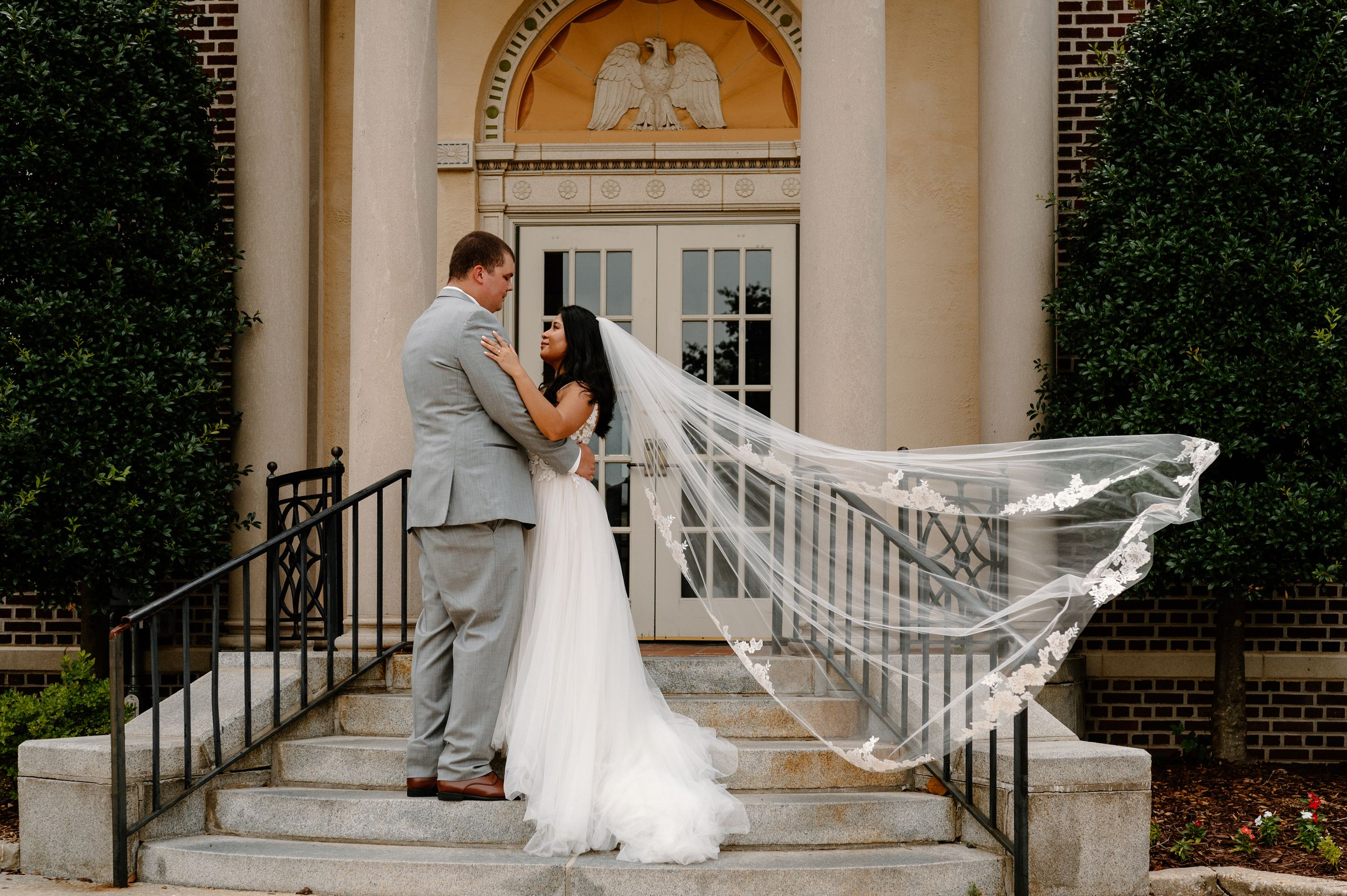 Georgetown, DE - Sussex County Courthouse weddings and elopements can be beautiful and special