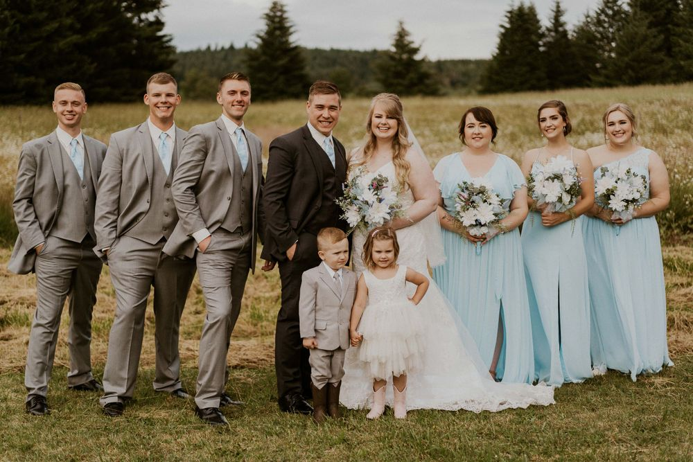 Photo by Kelsie Burke Photography of the wedding party