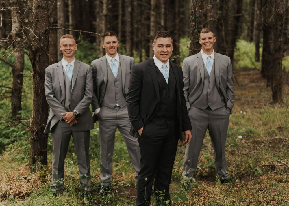 Photo by Kelsie Burke Photography of the groom and groomsmen
