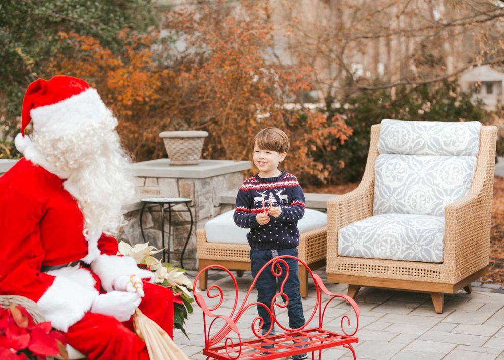 Richmond Virginia family portrait photographer Emily Butz M.photo mphoto m.photo Santa Children's portrait