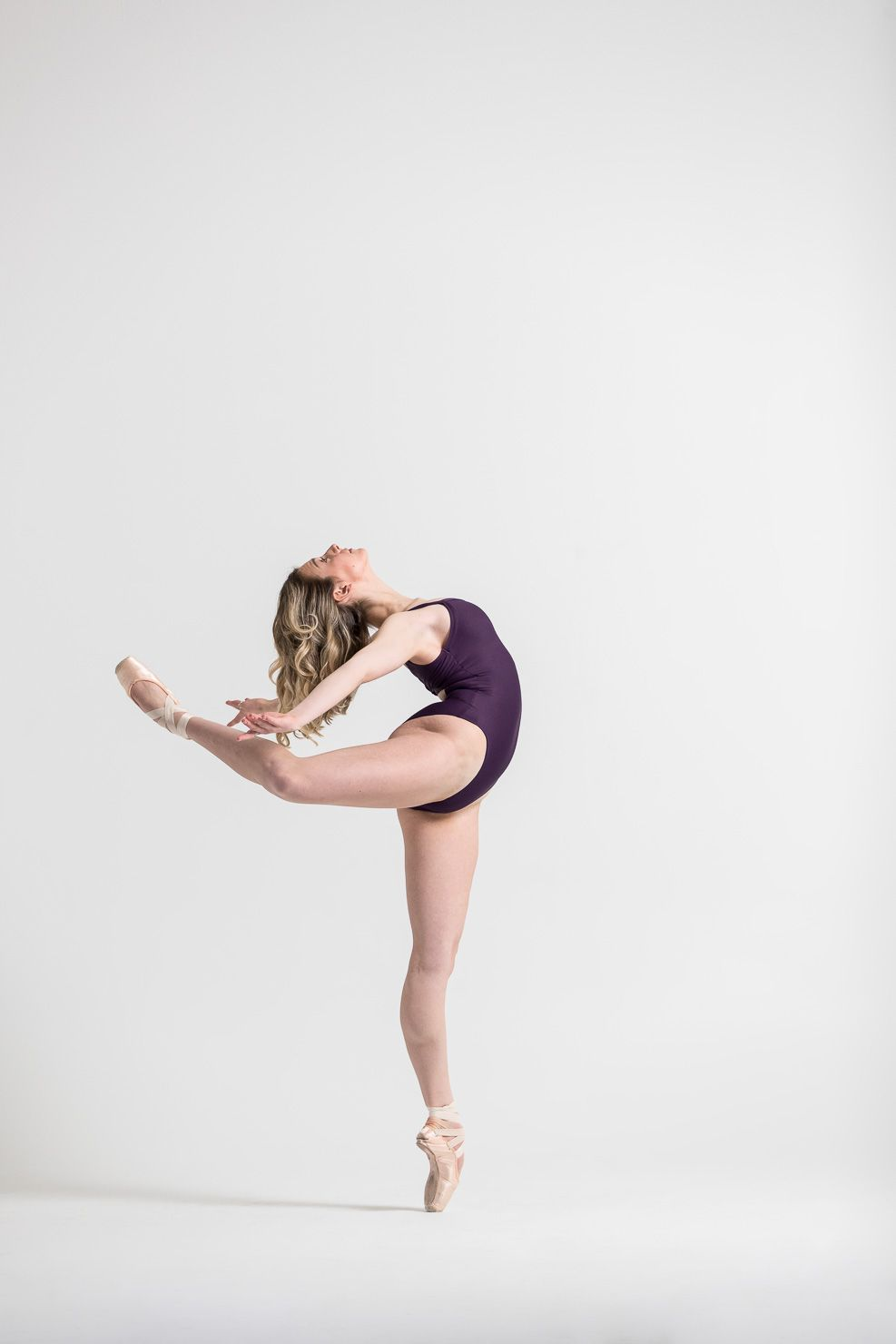 Ballerina, Arabesque, Pointe, Beautiful Dancer, Studio Photo, Dance Model, Dance by aKaiserPhoto, aKaiserPhoto, Dancer