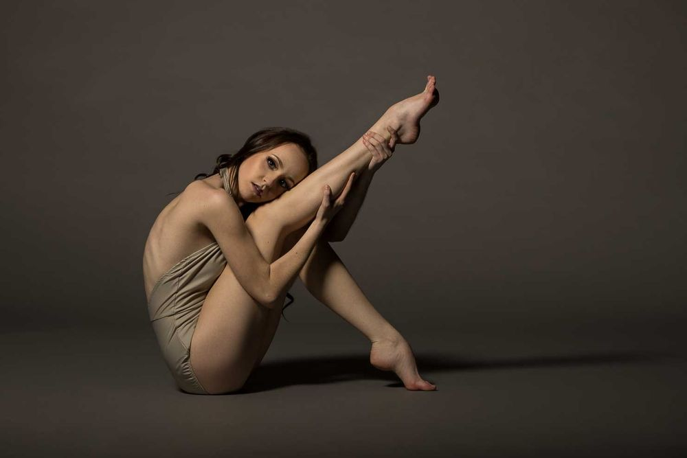 Bri dancer, beautiful pose. In-studio at Dance by aKaiserPhoto