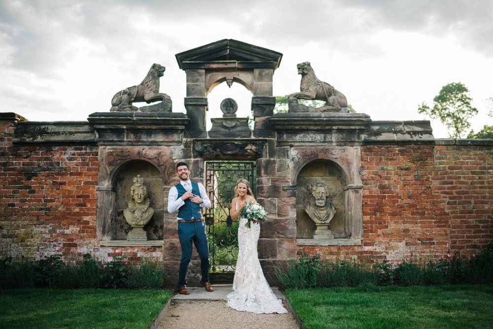 Dorfold Hall wedding, Dorfold Hall wedding photography, Cheshire wedding photographer, relaxed wedding portraits