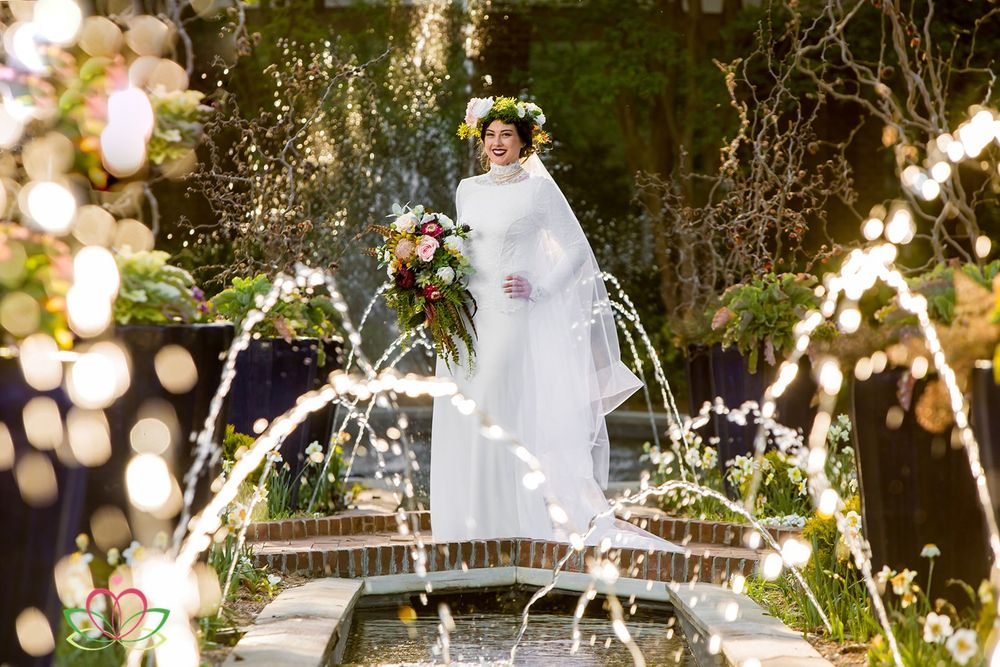 A bridal portrait at the Riverbanks Botanical Gardens in Columbia, SC