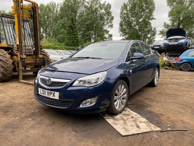 2011 | VAUXHALL | ASTRA J | BREAKING | PARTS