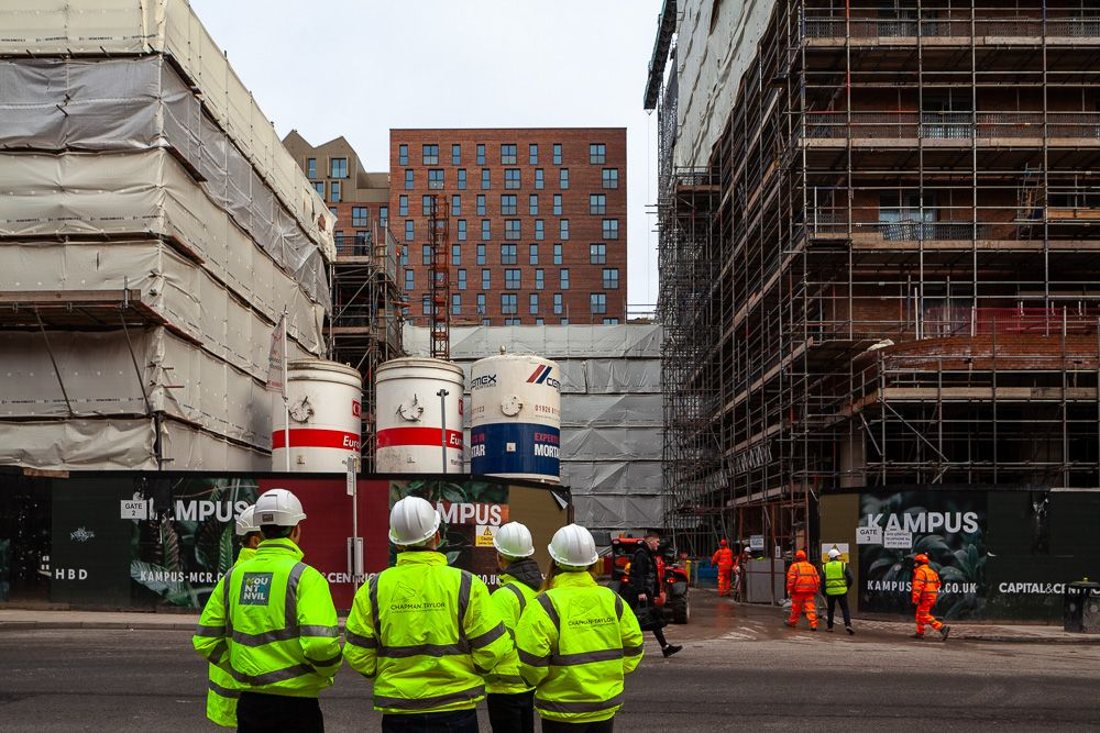 Construction Progress inspection of Kampus Manchester by Chapman Taylor Architects