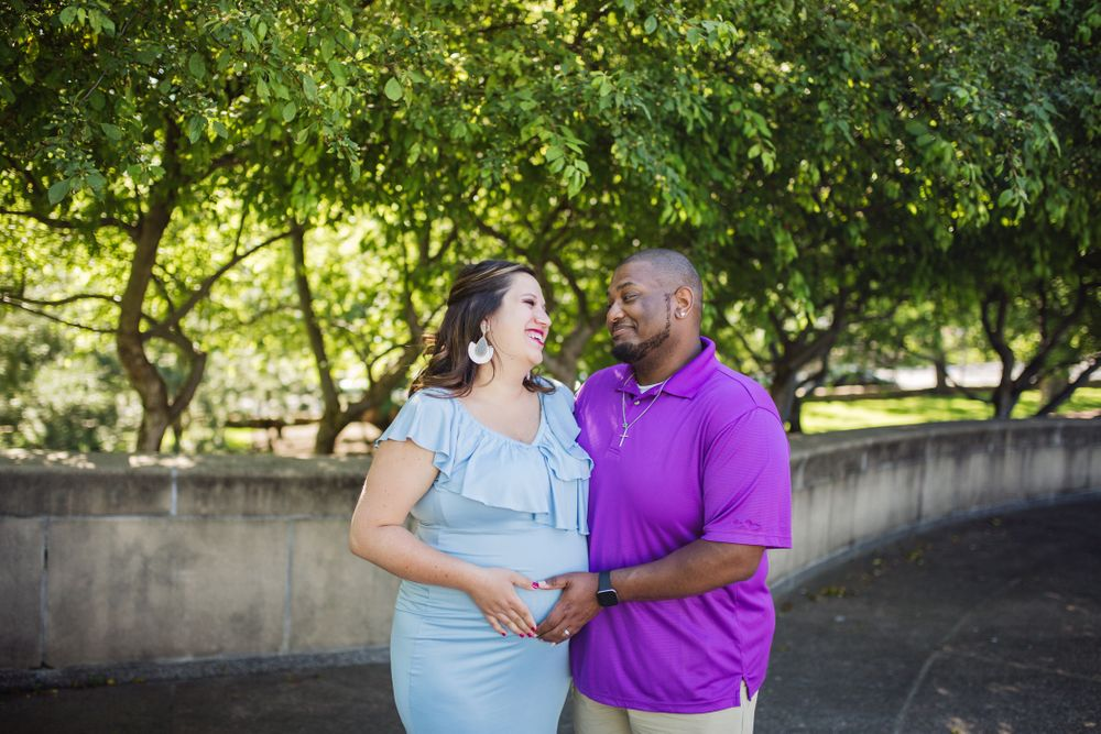 Maternity Session at the Nelson Atkins Museum in Kansas City Missouri
