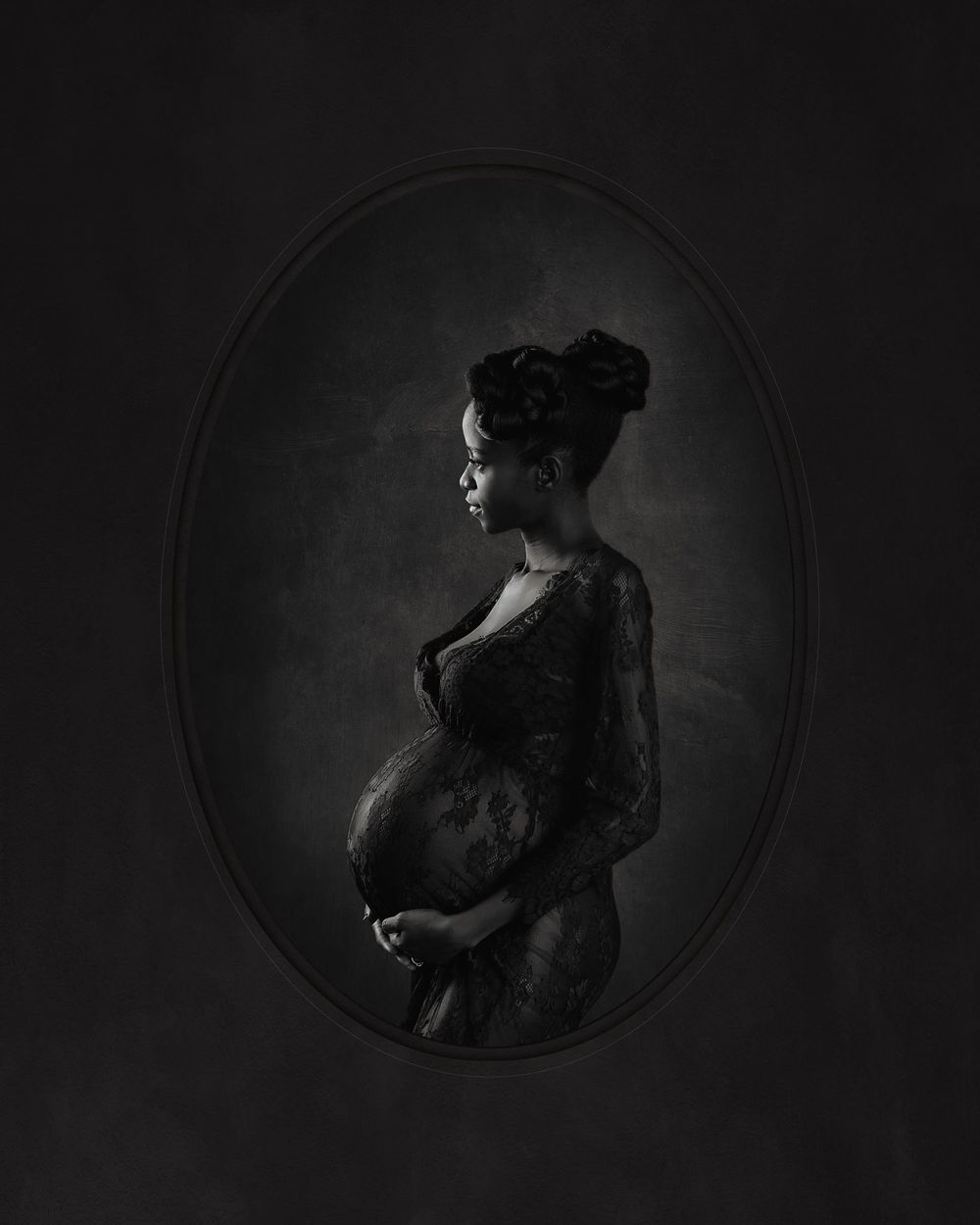 Mary. Anticipation.  2019 Grand Imaging Award Finalist Black and White maternity portrait profile low key
