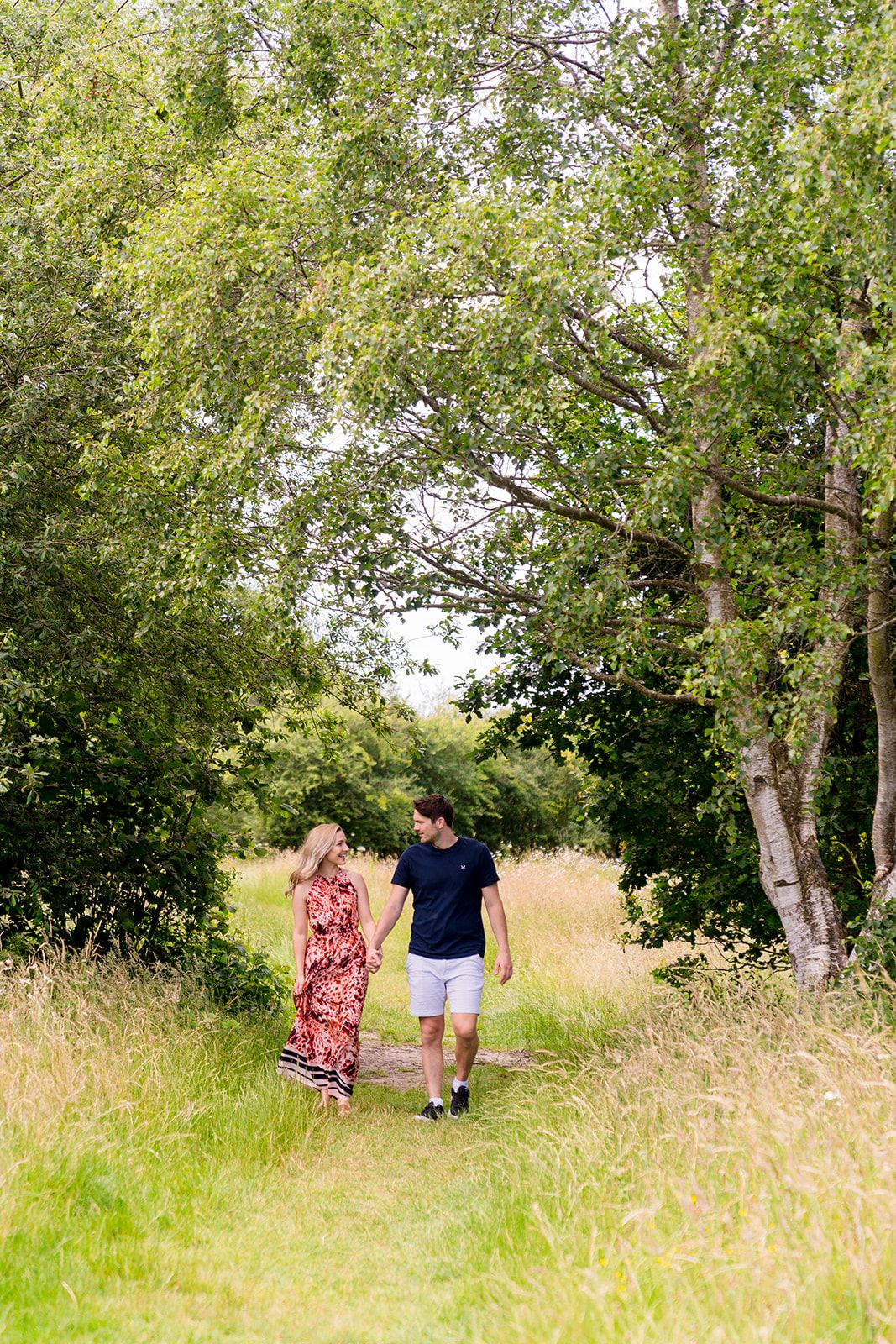 summer engagement photos in new forest