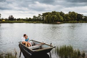 Couple preweding session lake