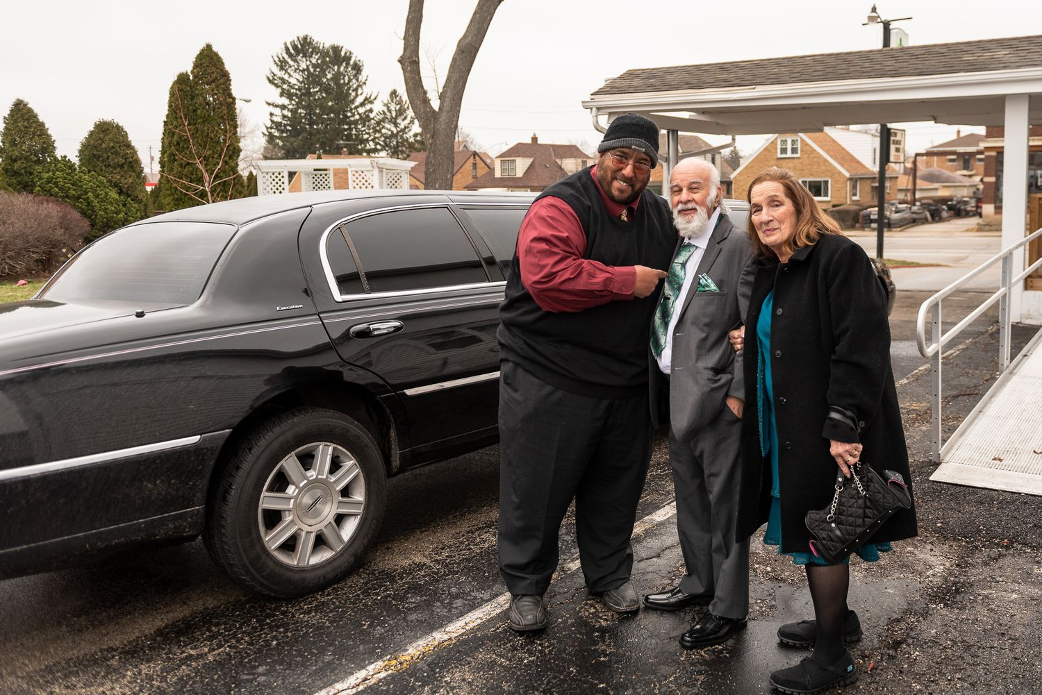 milwaukee limousine service by in time and on time transportation