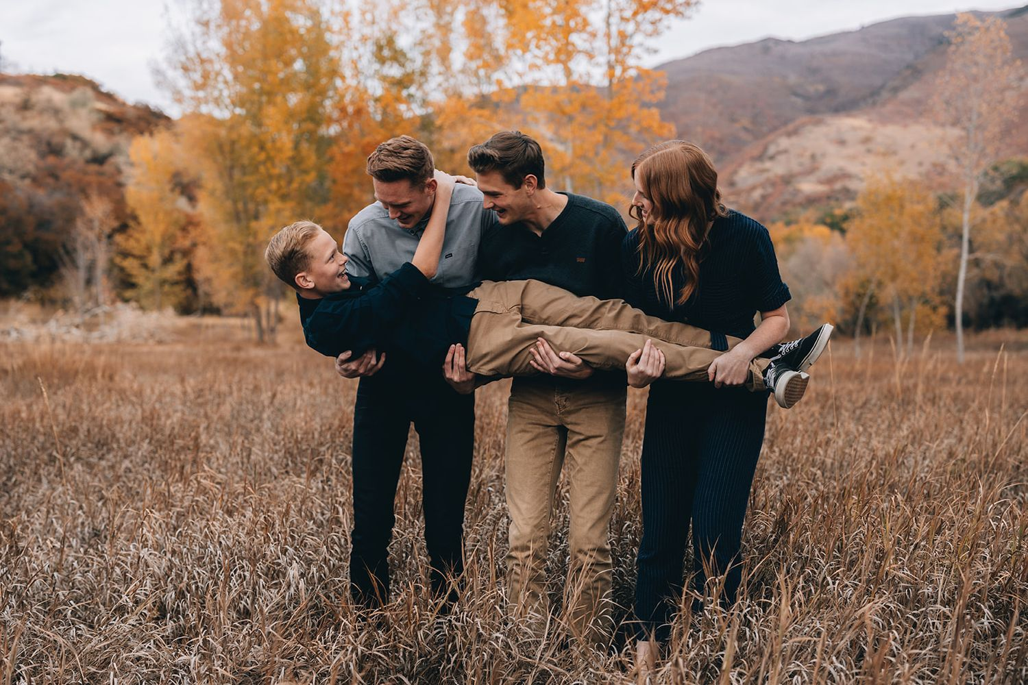fall photo shoot Kaysville family photographer Layton Davis county Farmington Mountain Green Huntsville