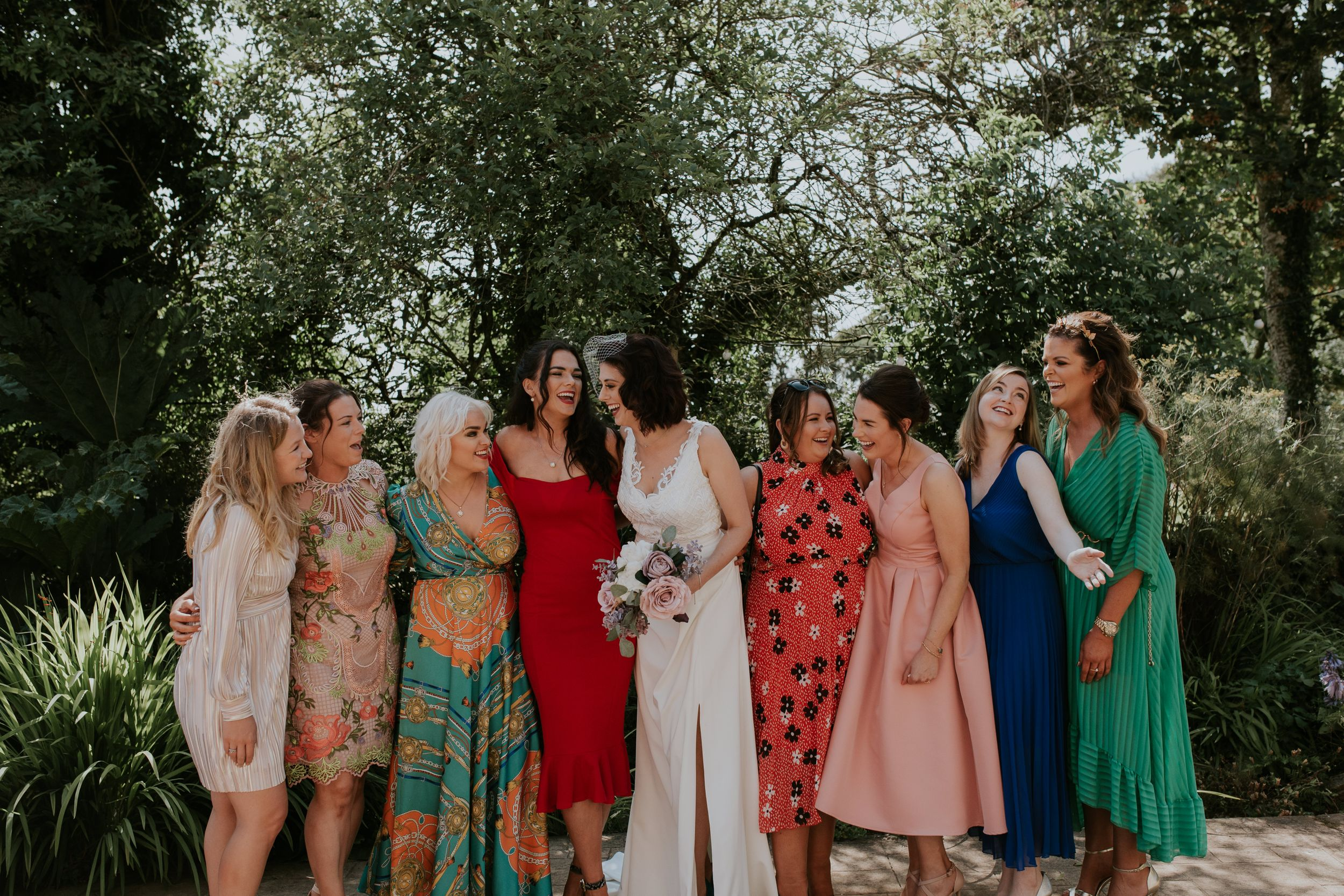 Relaxed wedding guest photos