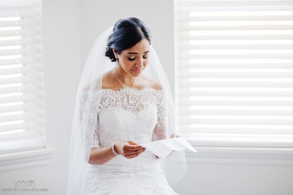 bride crying reading groom letter