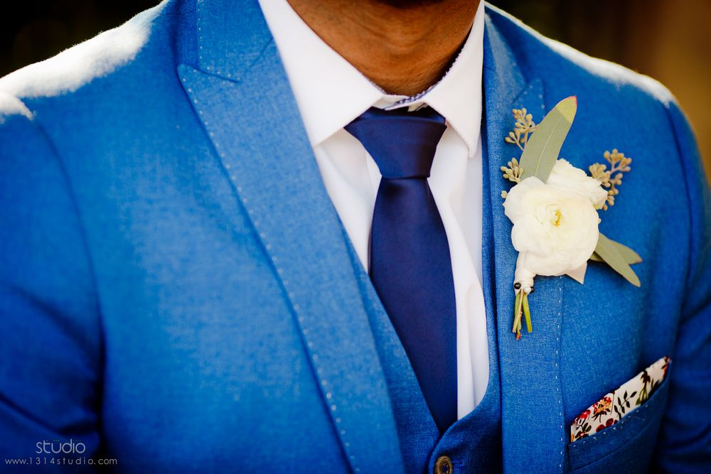 groom chic details