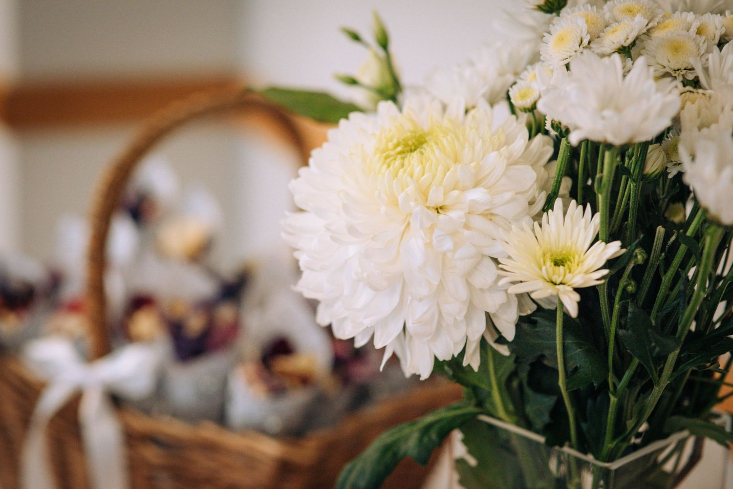 Pukrup Hall wedding by Zara Davis Photography, Gloucestershire wedding flowers