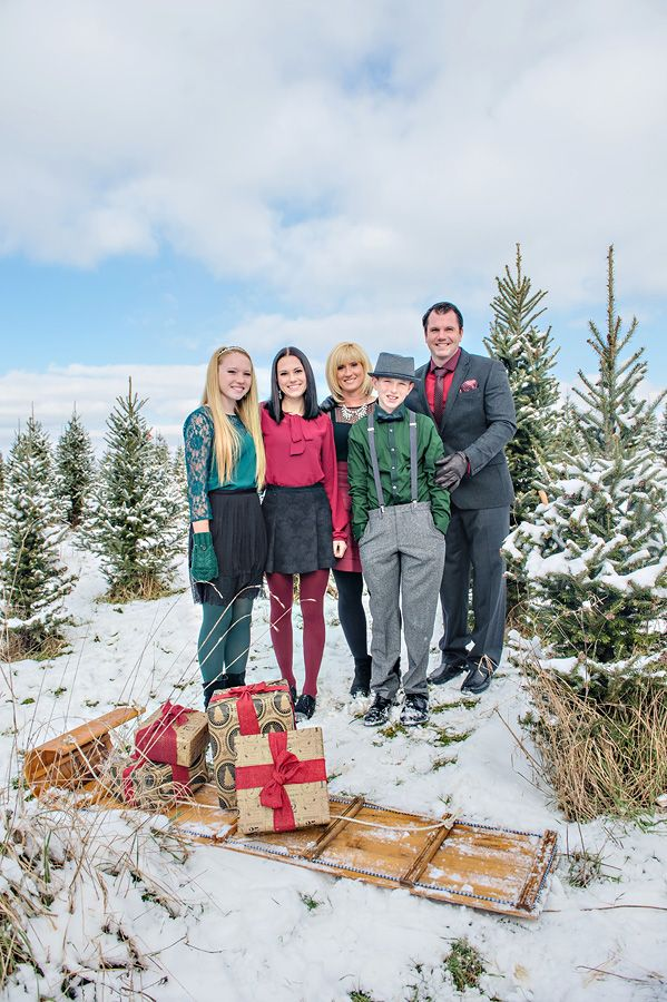 Christmas themed family portrait at Tree Farm in Hartville