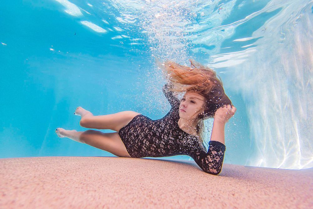 underwater fashion photographer arizona
