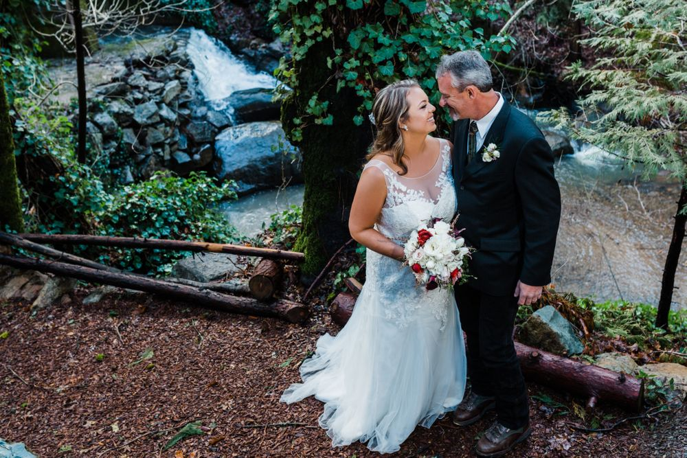 Weddings with Lenkaland Photography at the Gold Creek Inn in Nevada City, California
