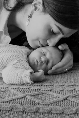 beautiful newborn photos mother and baby, London