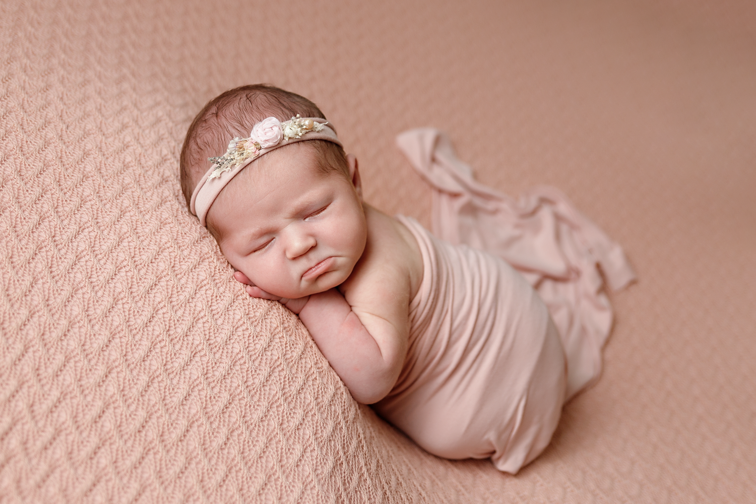 Newborn Photography Portlaoise Laois. Photography Studios. How to book in for a Newborn Session. Heyday Studios.