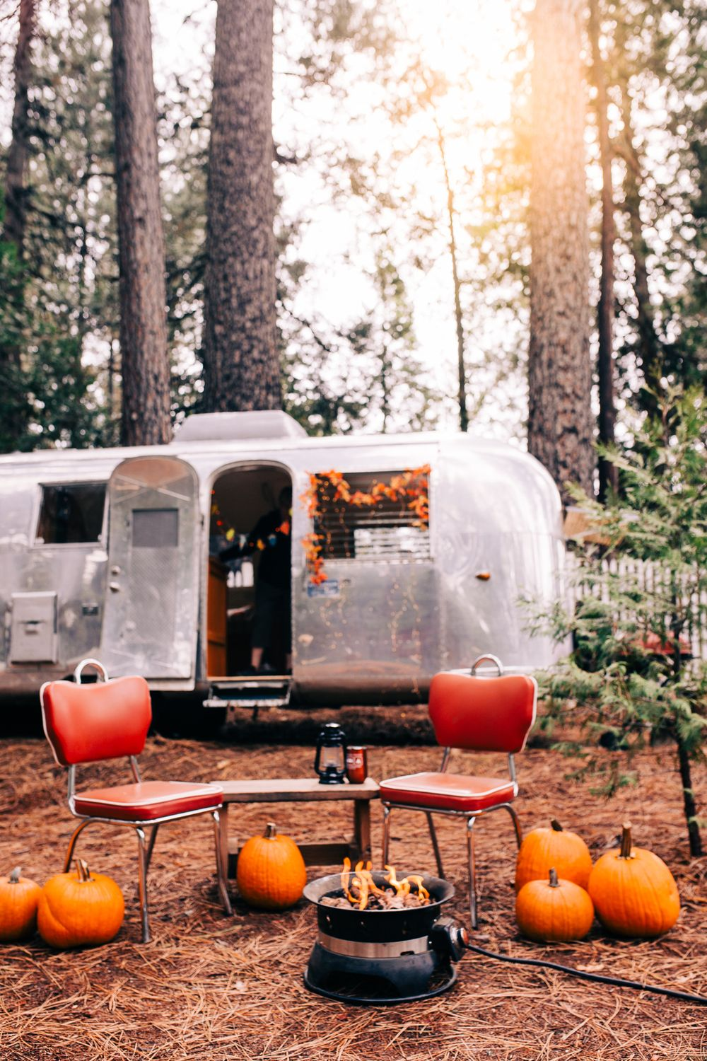 Autumn decorations at the Inn Town Campground in Nevada City, California | Lenkaland Photography