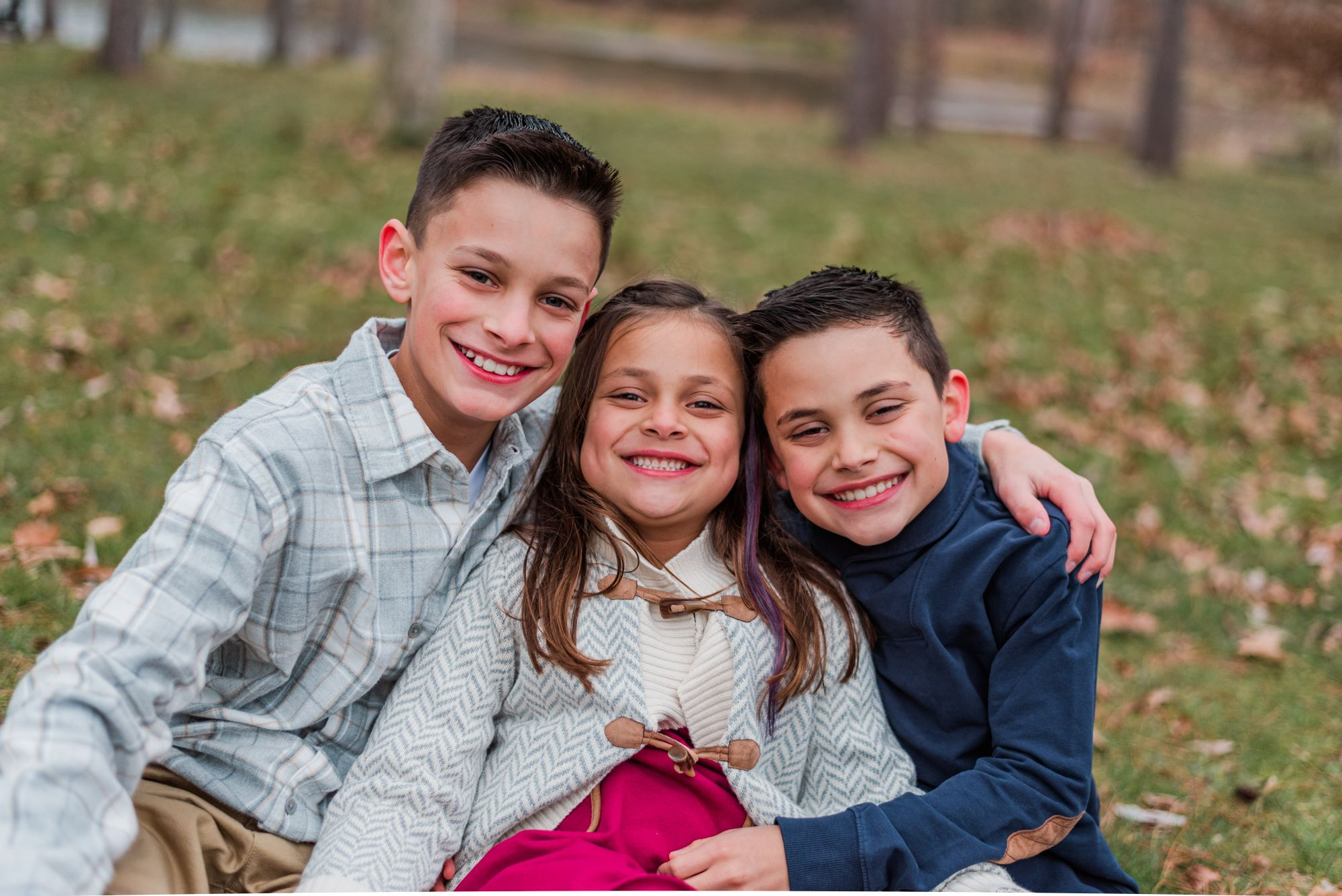 Family session with siblings at North Park, Pittsburgh, Pennsylvania