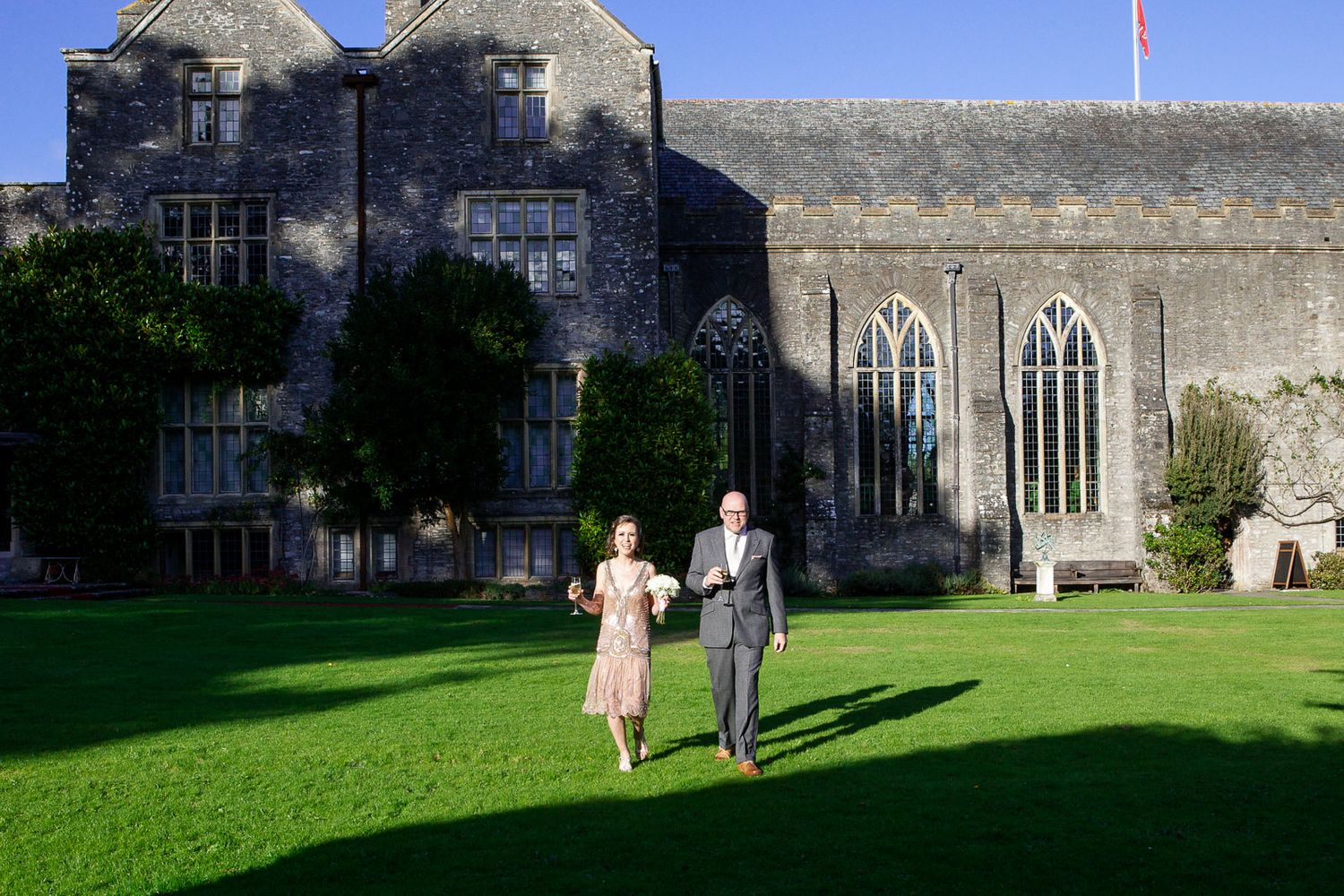 Dartington Hall vintage wedding by destination wedding photographer Elizabeth Armitage