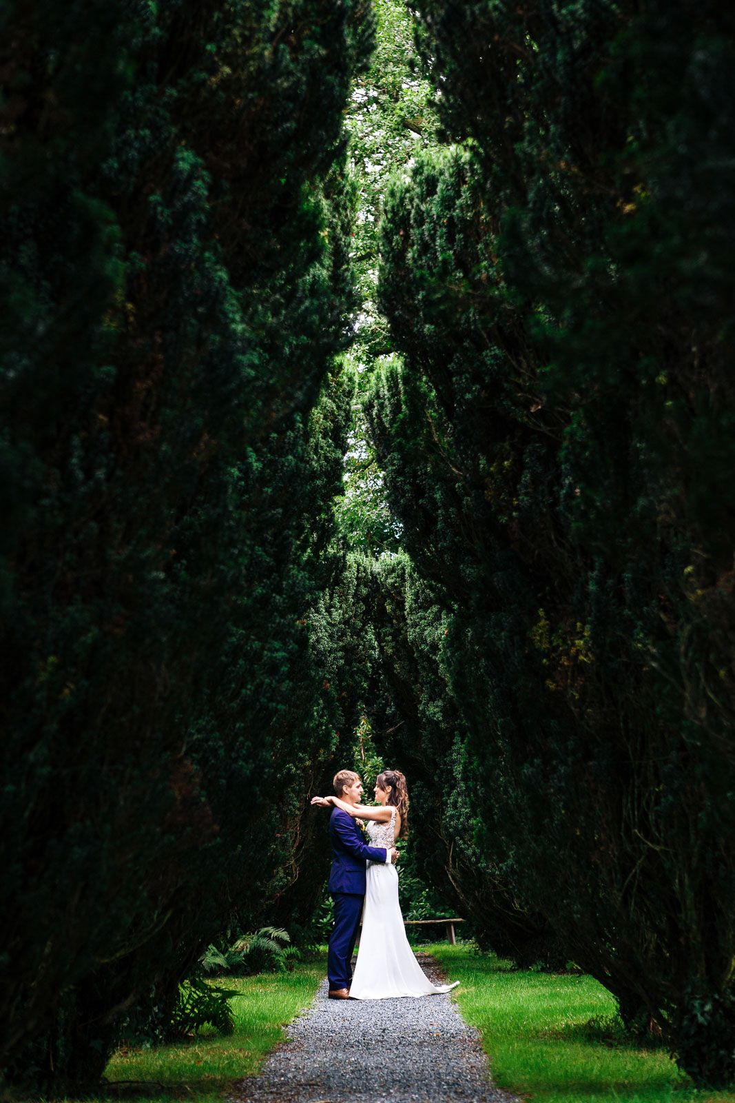 Coombe Trenchard wedding photography by Tuscany based wedding photographer Elizabeth Armitage
