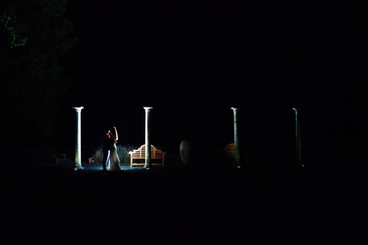 creative night wedding photography by Tuscany based wedding photographer Elizabeth Armitage