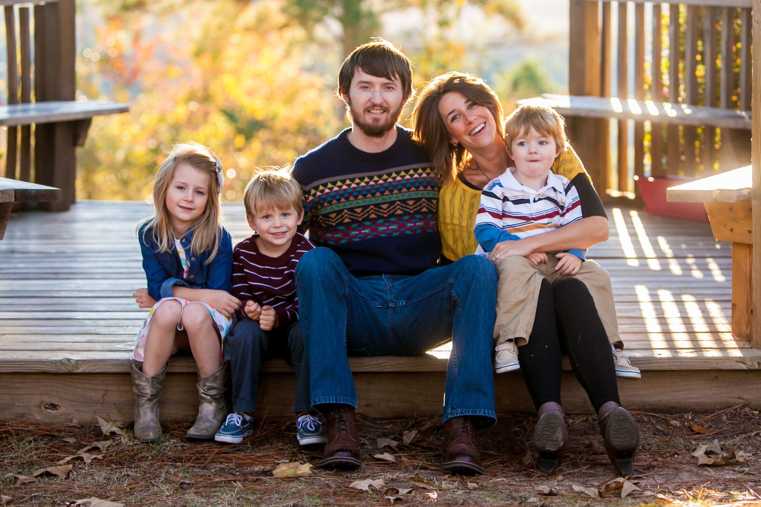 Family portrait at Columbia International University photo by Columbia, SC, wedding photographer Jeff Blake