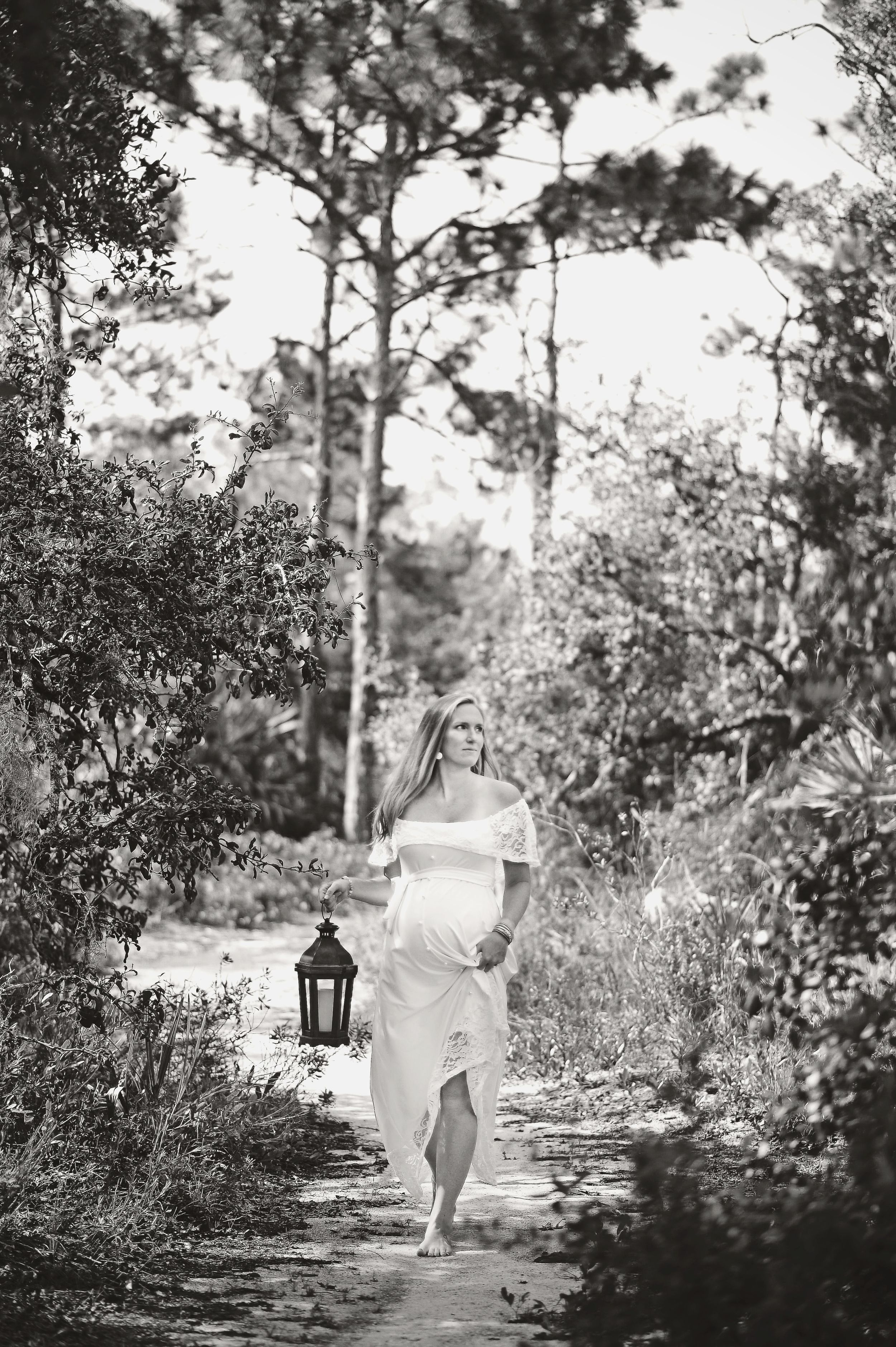 maternity session with lantern