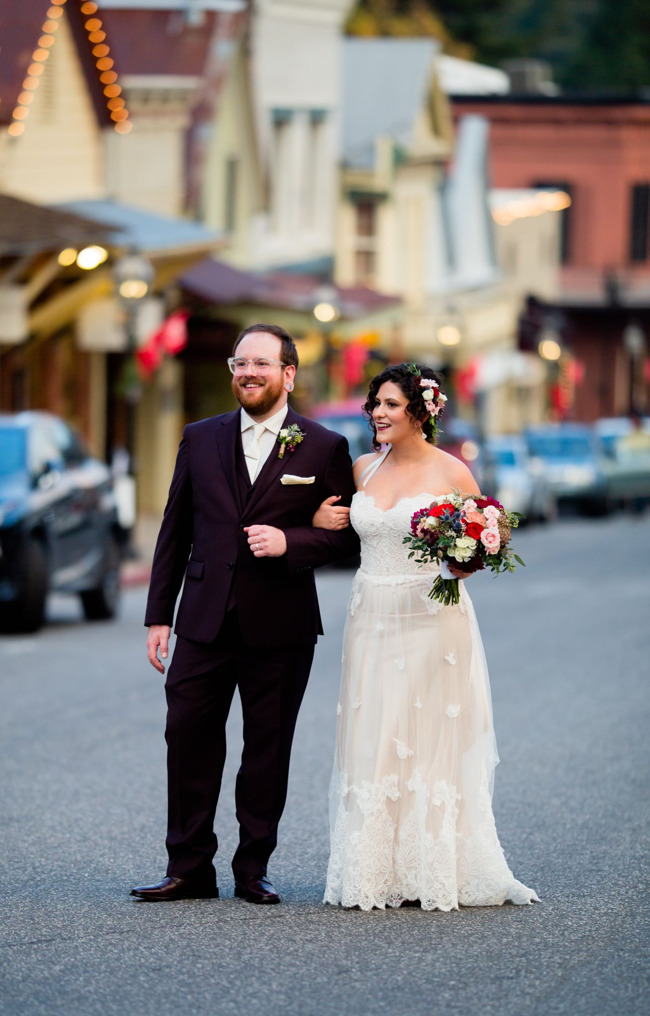 wedding couple in nevada city,nevada county.