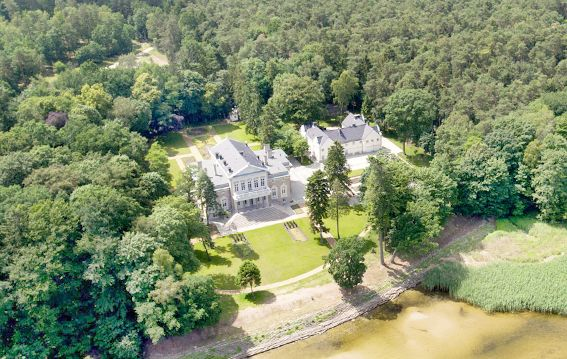 MANOWCE PALACE POLAND is on Faye Amare's wedding venue bucket list
