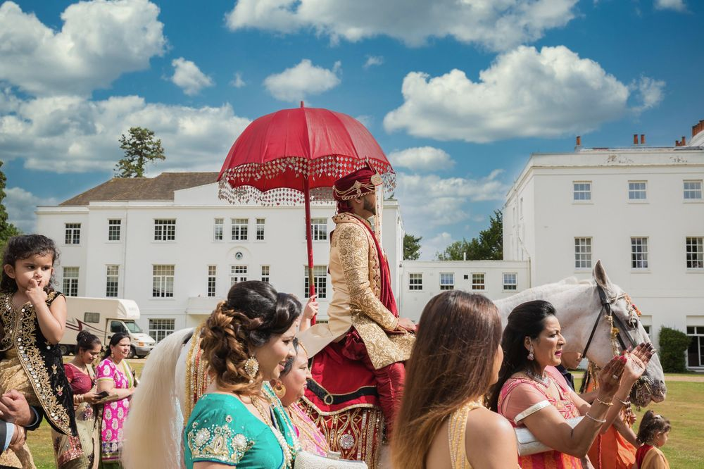 De Vere Beaumont Estate. Asian wedding photos. London Asian wedding photography. Indian wedding photography.