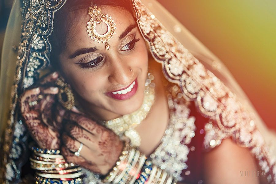 stunning bride at sopwell house hindu wedding