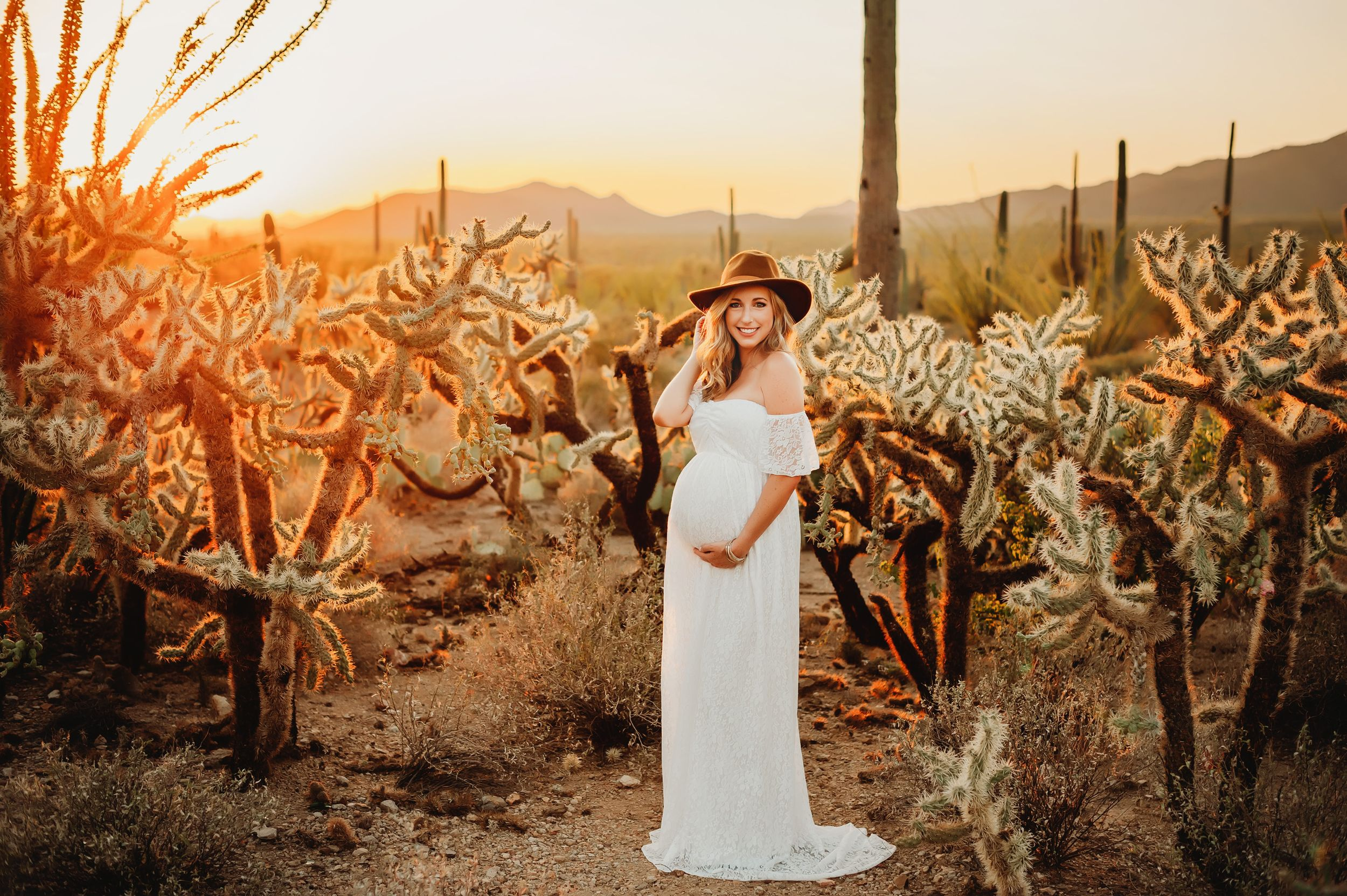 Marana-Tucson-Maternity-Photographer-in-Gates-Pass-AZ-01