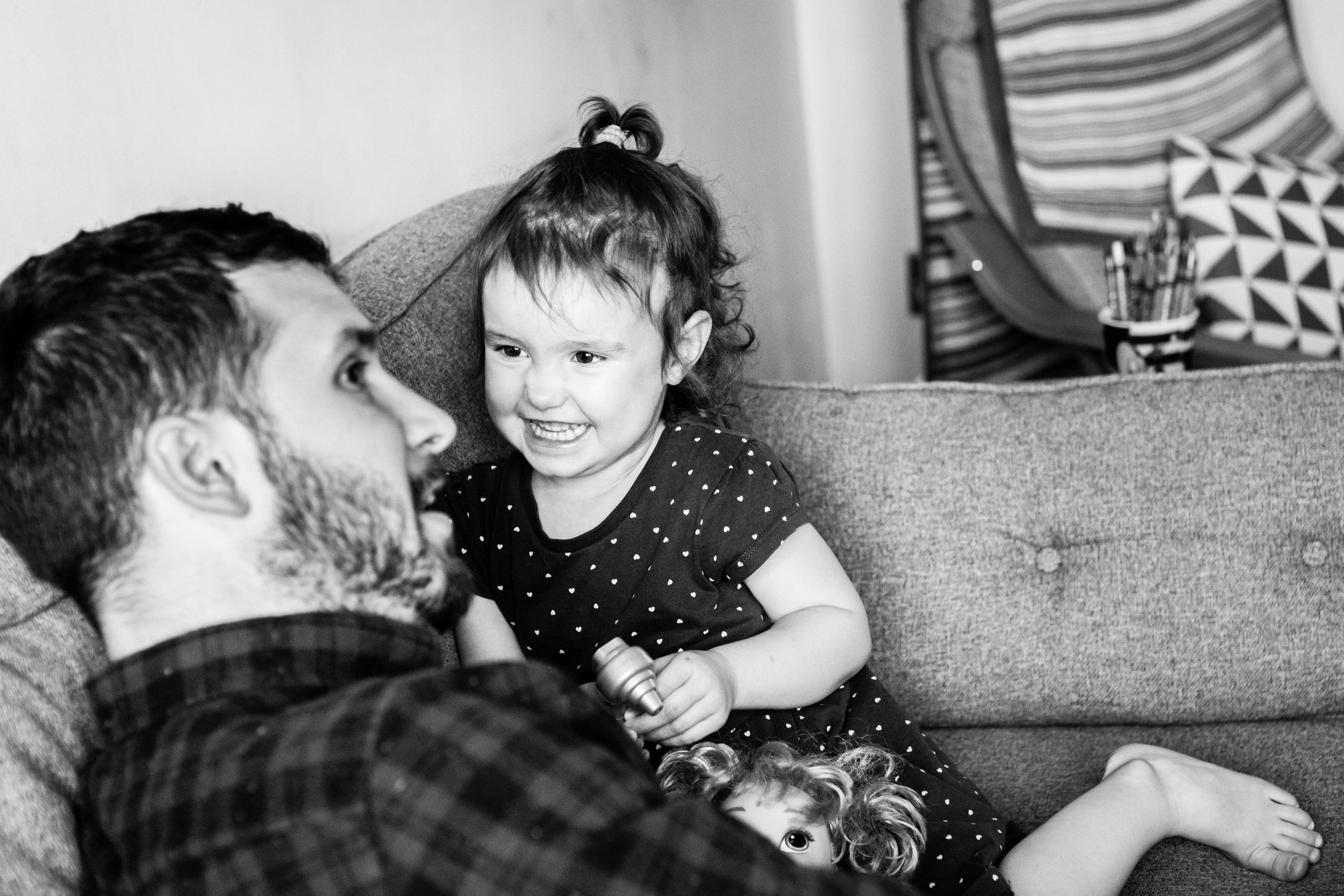 girl smiling at dad