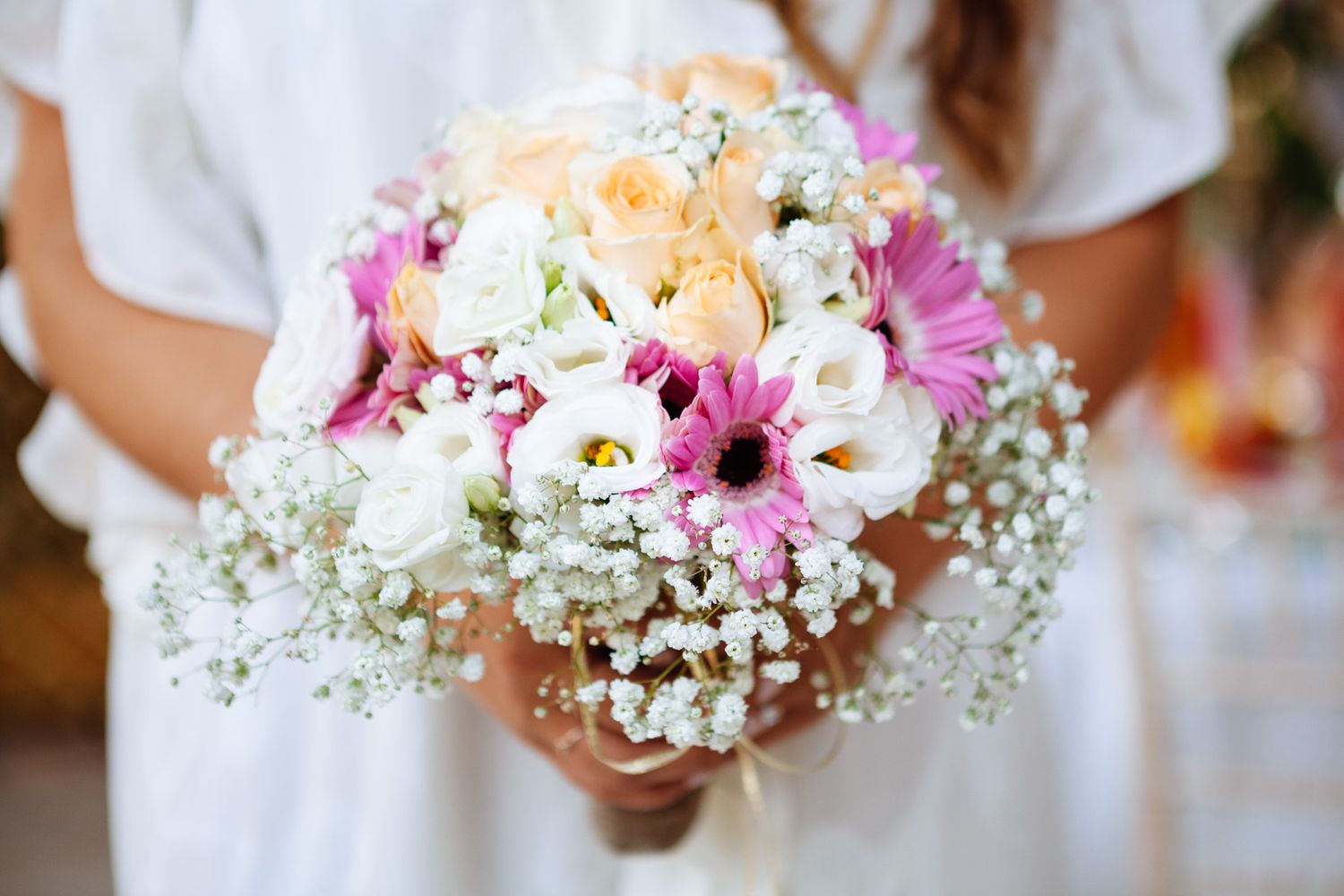 bright and fresh wedding bouquet for an elopement in Tuscany