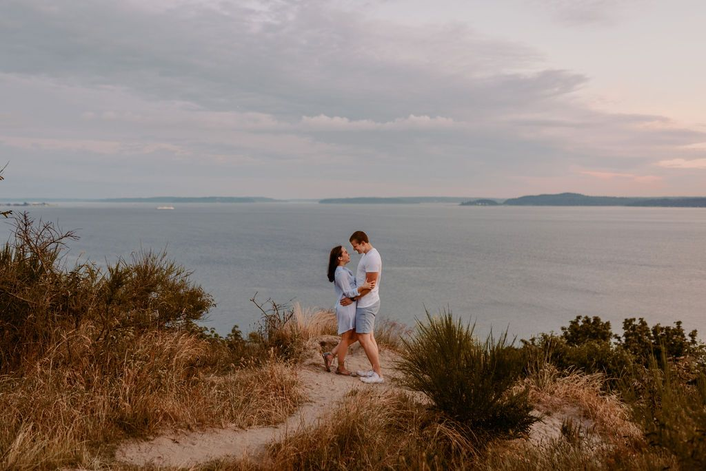 Discovery Park Engagement Photos | Seattle Wedding Photographer