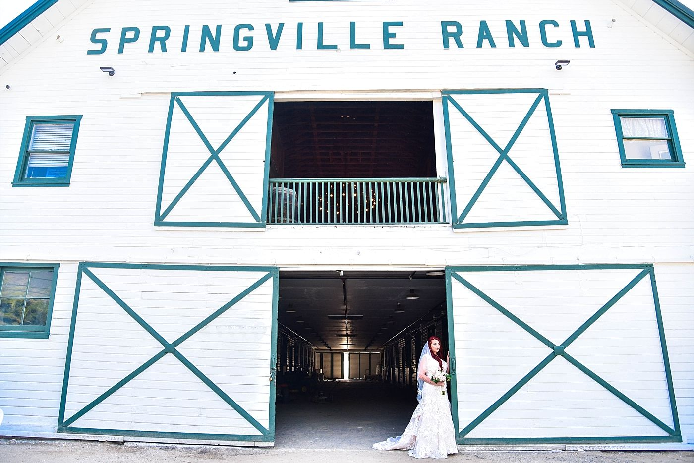 Springville Central Valley california barn wedding ceremony