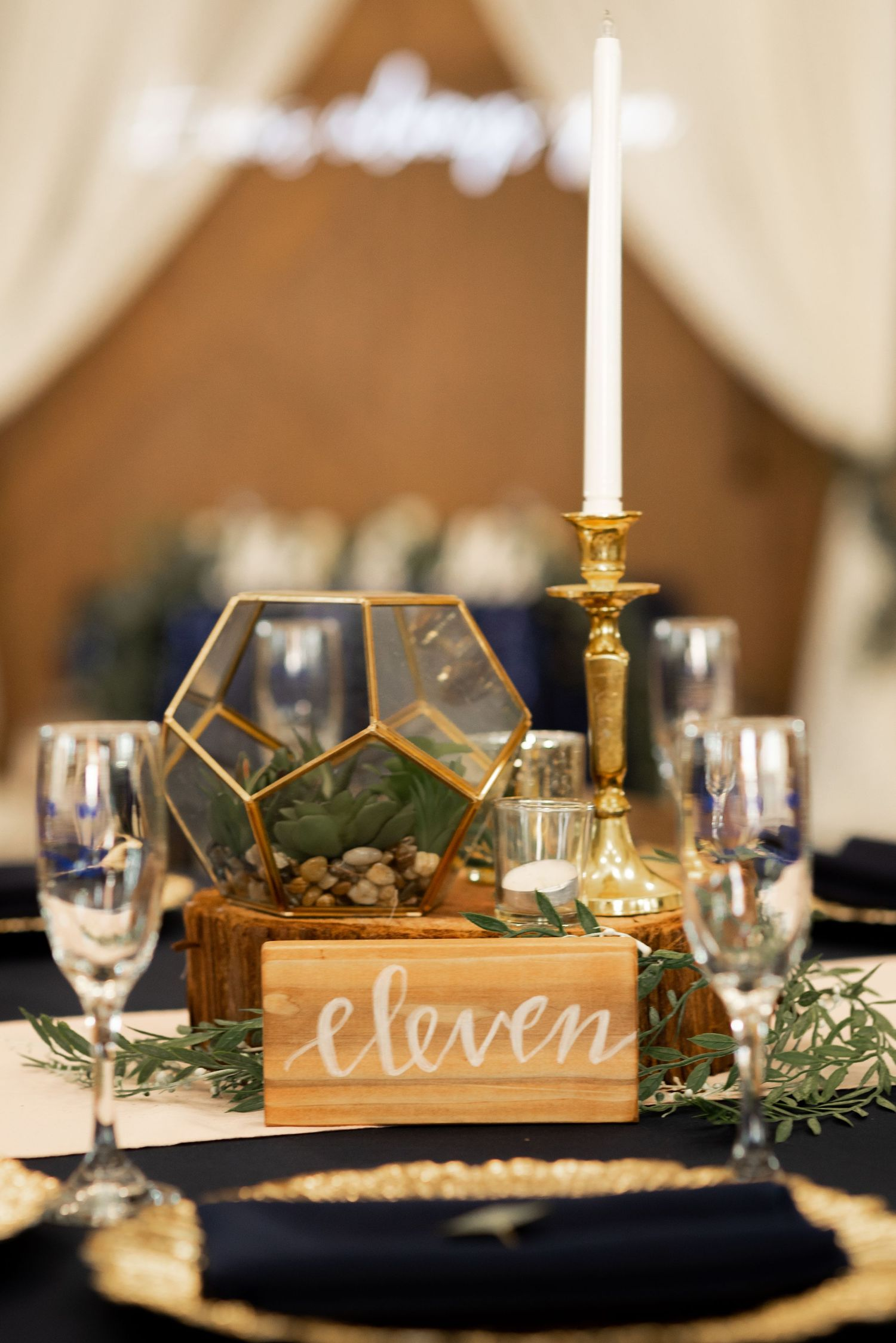 Design by Touch of Elegance for KRW wedding by Miranda Munoz Photography
