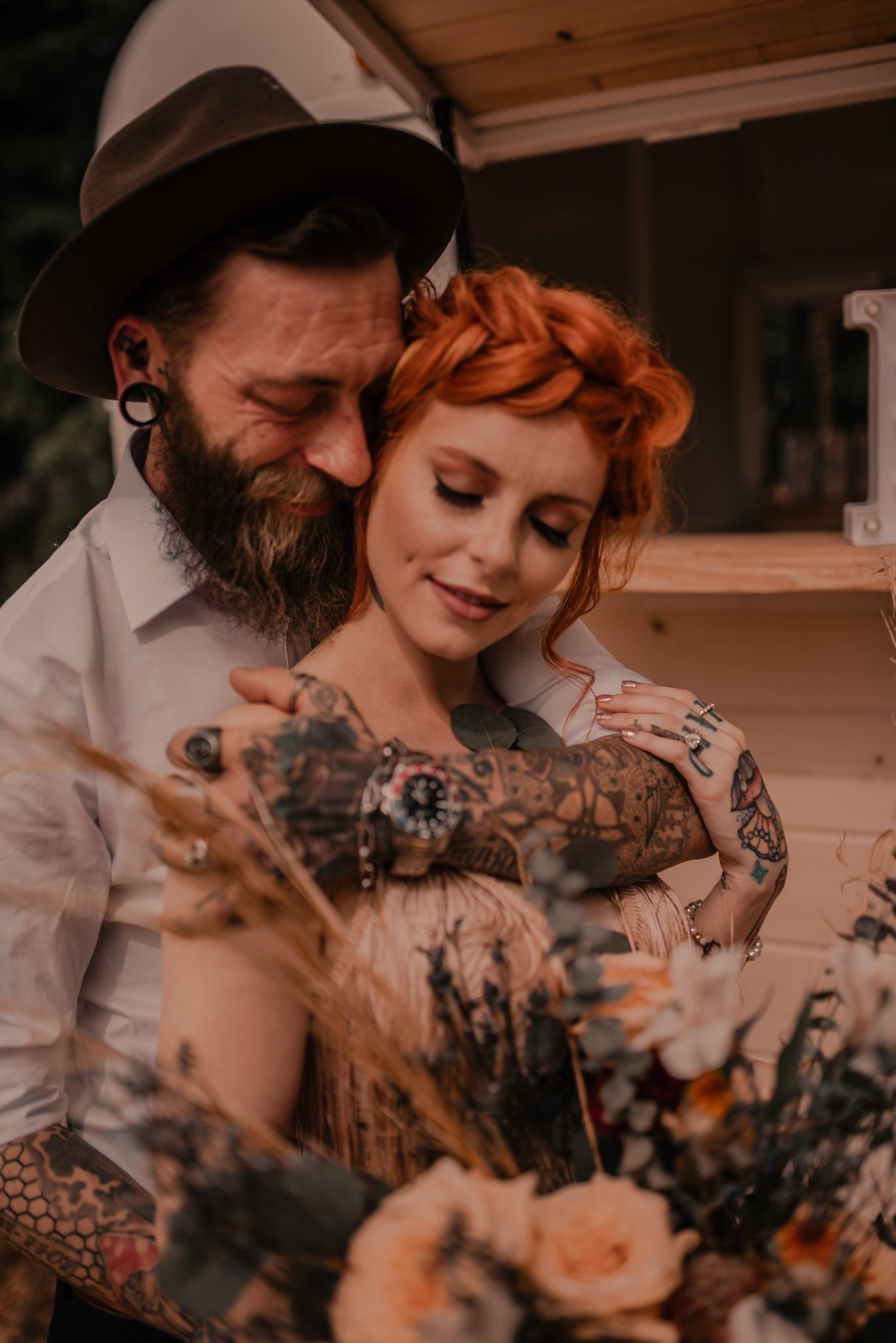 elopement wedding couple