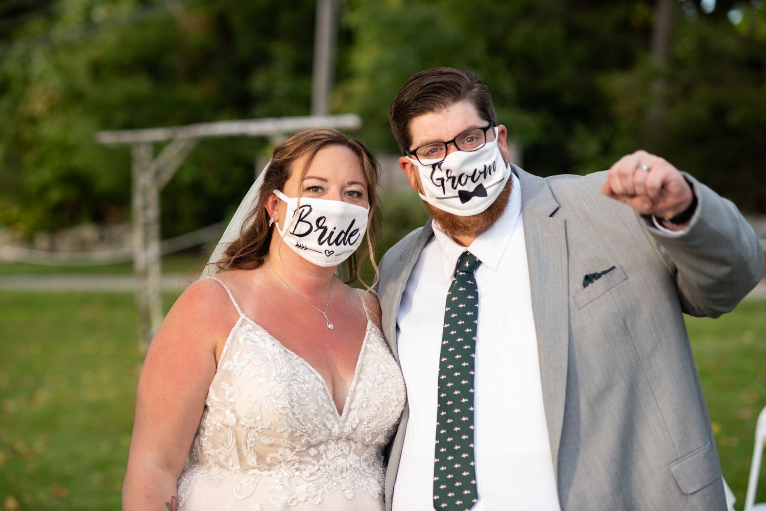 Leah Ramuglia Photography bride and groom masks Covid wedding during quarantine pandemic Woodmans of Essex Room