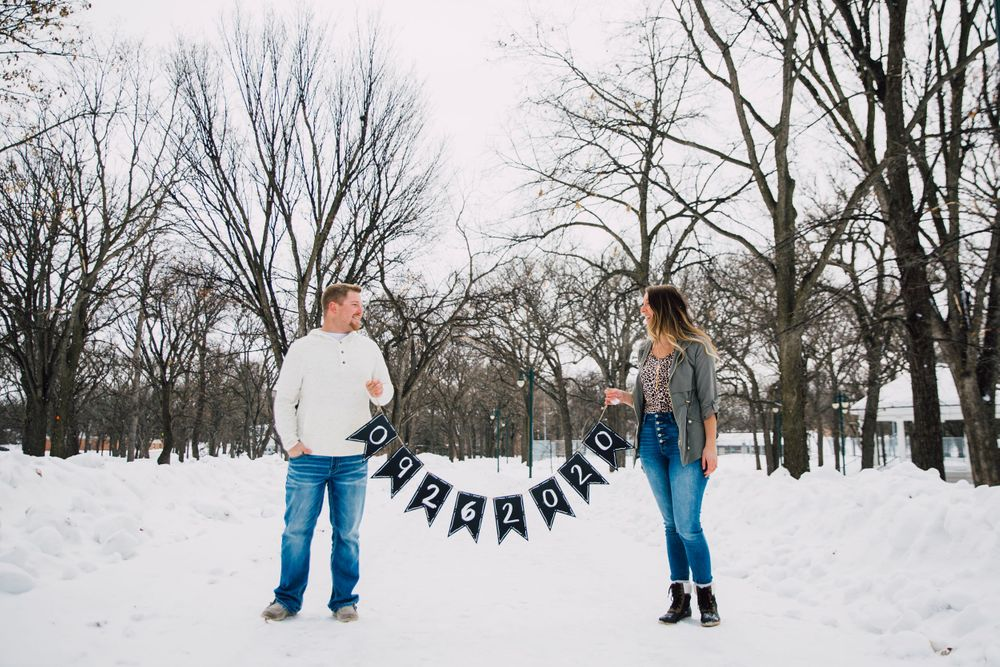 Fargo ND winter engagement pictures fargo photographer Island Park