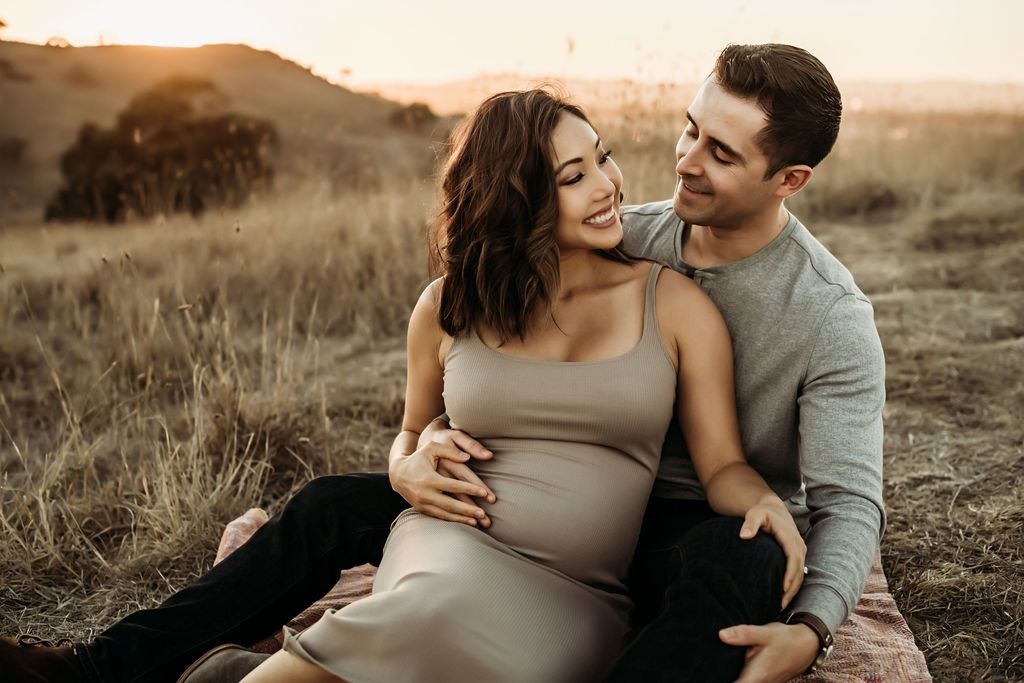 Sonoma County maternity photography pregnancy announcement motherhood sunset photos