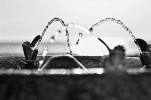 black and white Chicago lakefront water fountain