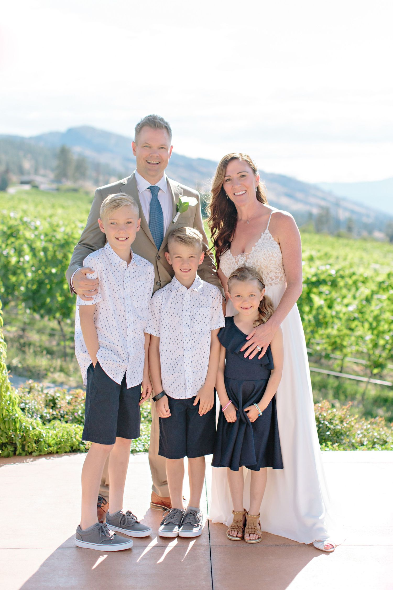 family wedding at CedarCreek Winery