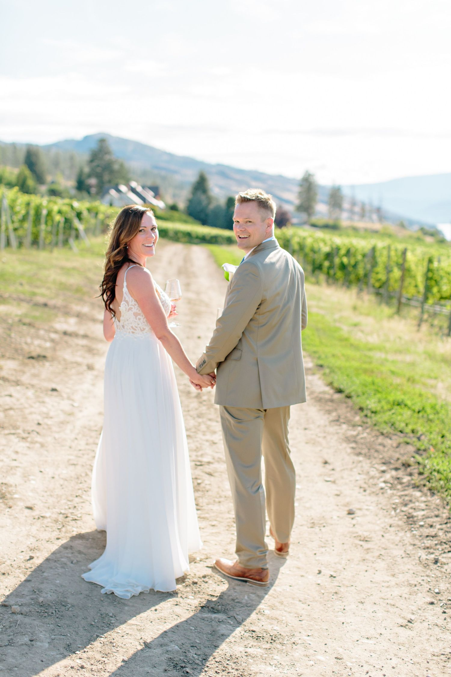 bride and groom at CedarCreek Winery
