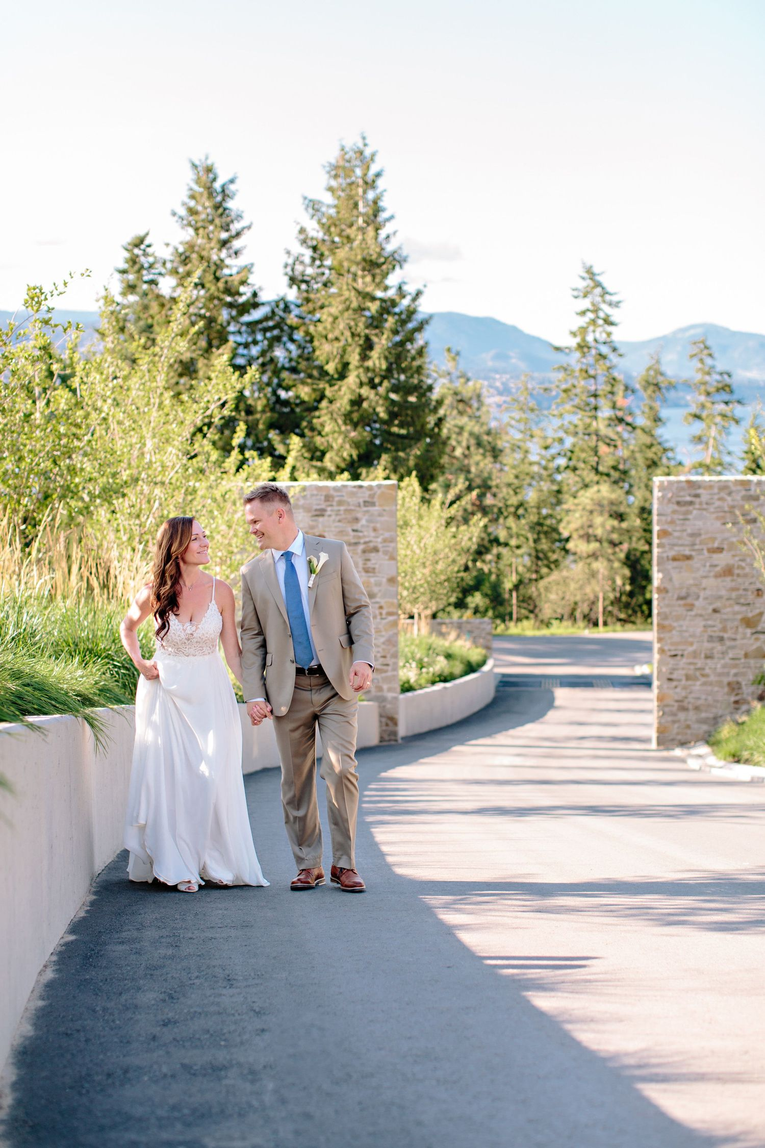 bride and groom at CedarCreek Winery entrance